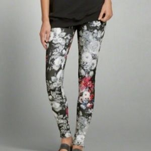 ABERCROMBIE & FITCH Flowered Leggings, size L